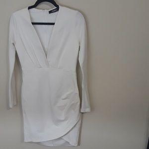 Lulu's white long sleeved bodycon mini deep v